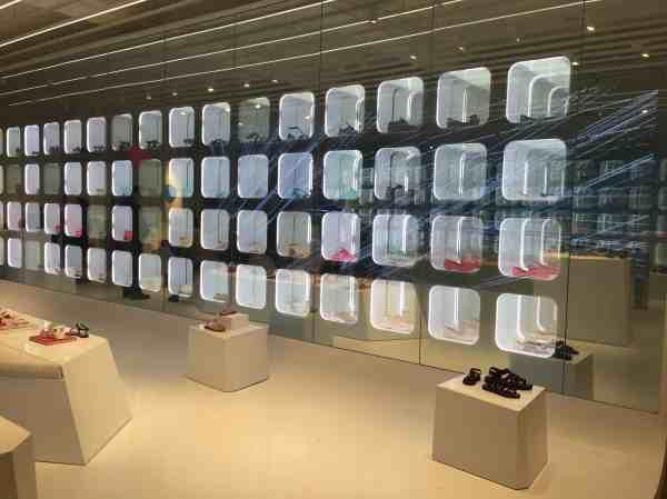Expo shoes art