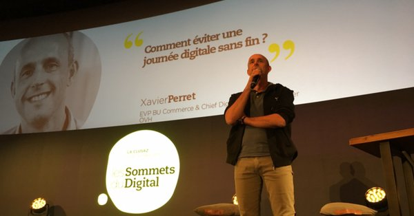 xavier perret on stage.jpeg